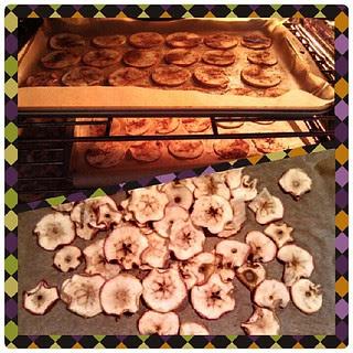 Pumpkin Spiced Apple Chips #fall #homemade #healthysnack