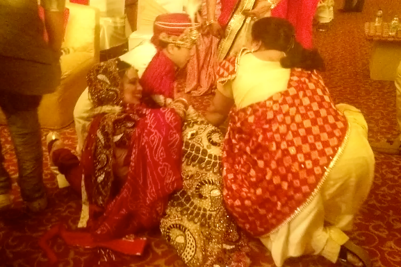 Shoe Wrestling at Wedding in Delhi photo Screen Shot 2015-05-23 at 5.55.16 PM_zps77nbcc8i.png