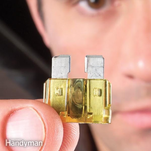 Replacing Car Fuses | The Family Handyman