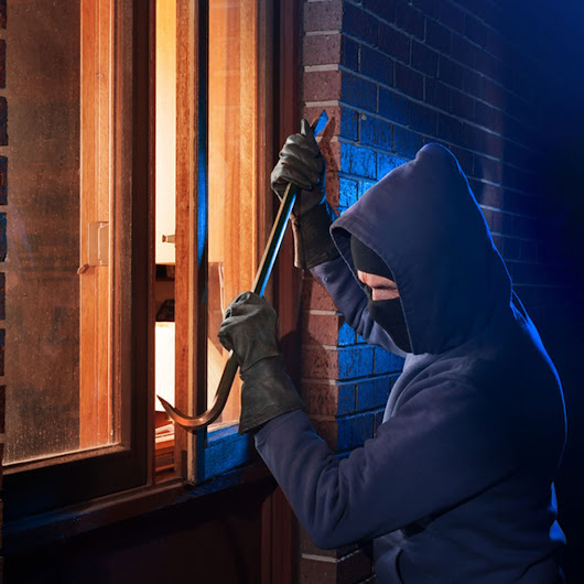 The 35 Things You Don't Know You're Doing That Make Your House a Target for Burglars | The Family Handyman