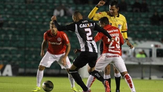 Figueirense e Internacional empataram sem gols pela abertura da rodada