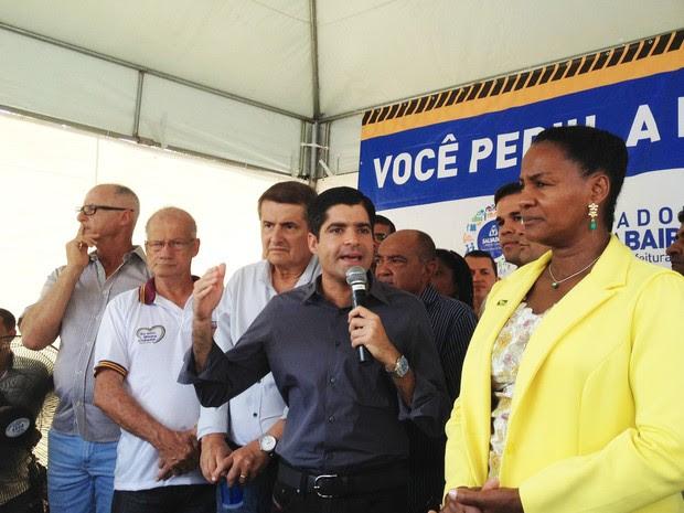 Prefeito fez anúncio durante inauguração de via em Salvador (Foto: Juliana Almirante/ G1 Bahia)