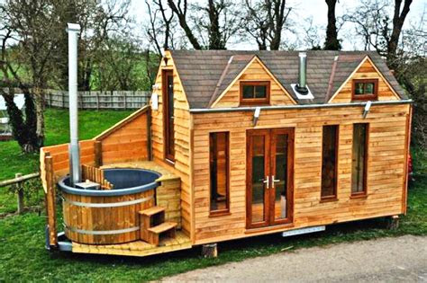 tinywood homes     hot tubs   uk