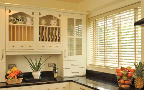 Fix Your Blind Spot: The Faux Wood Vs. Real Wood Venetian ...