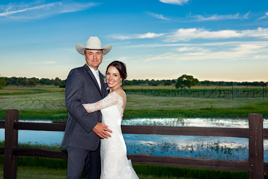 Wedding: Christine and Justin, The Vineyard at Florence, Texas