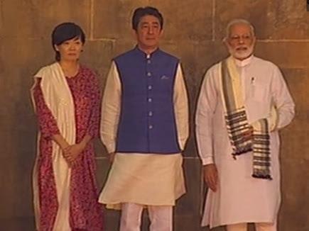 सिद्धी सैयद मस्जिद पहुंचे PM मोदी और जापान पीएम शिंजो आबे