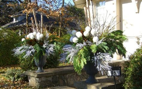 Thornhill Florist   Decorating with Urns