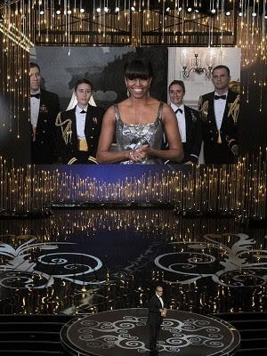 Michelle Obama faz aparição surpresa em telão durante o Oscar 2013 (Foto: AP)