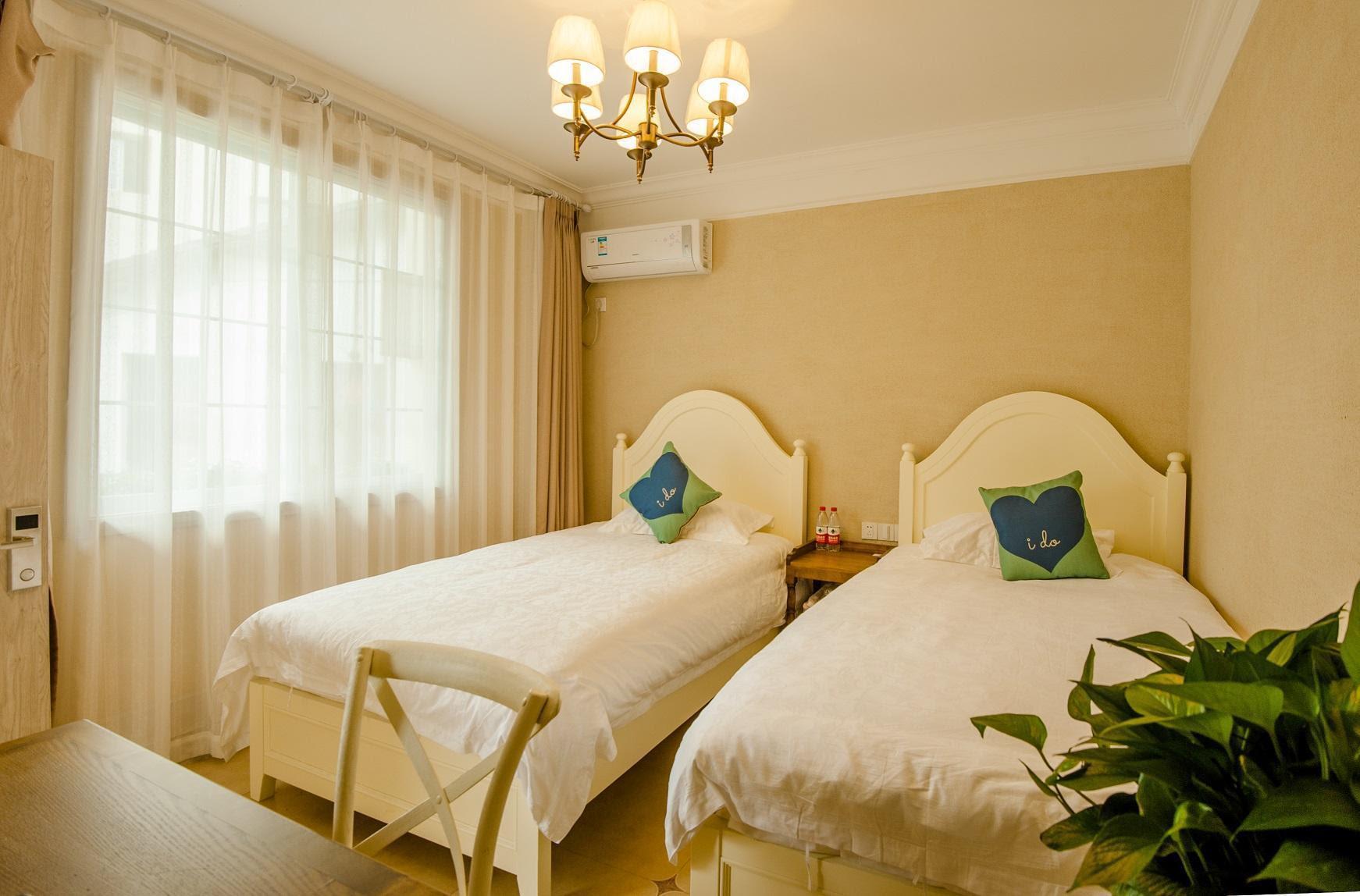 hotel near Hangzhou YUNQI XIAOZHU STAY Private Studio with 2 Beds