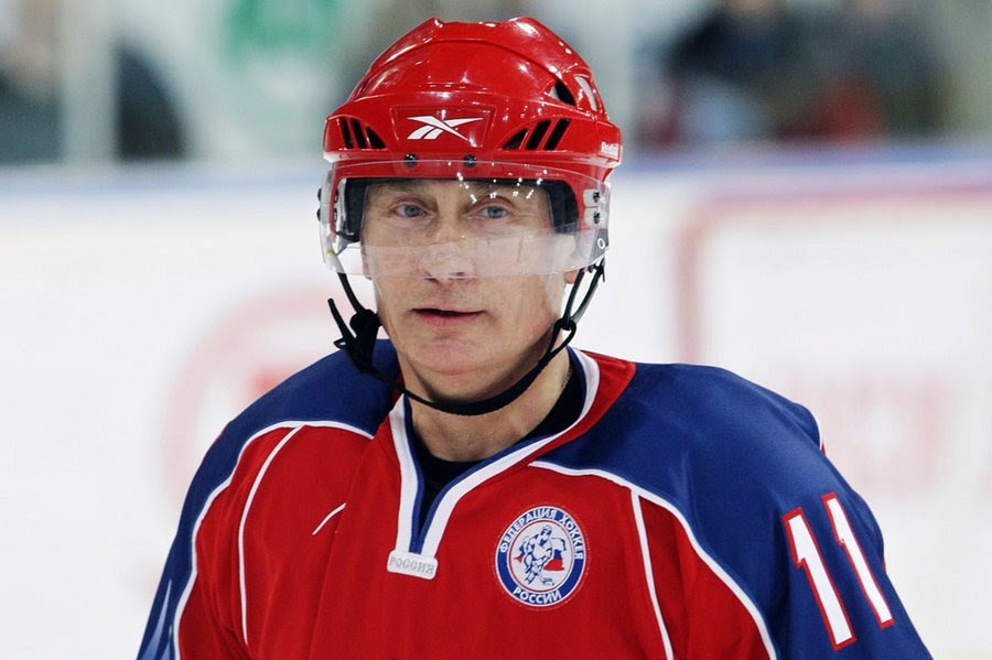 """VV  Putin takes part in the training of the youth hockey team before the finals of the youth hockey tournament """"Golden Puck"""" in Moscow, 15 April 2011."""