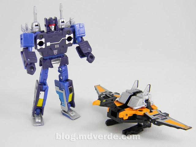 Transformers Frenzy & Buzzsaw Masterpiece - modo robot vs Buzzsaw