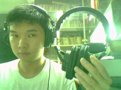 Using the ATH-M50, holding the M30.