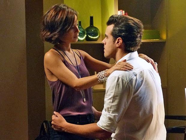 Maria Clara dá força para o amado e garante que quer casar com ele (Foto: Império / TV Globo)