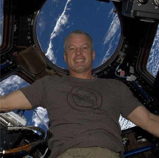 Shiny: Astronaut Wears 'Firefly' T-Shirt In First Instagram From Space