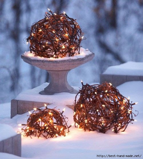 Creative-Outdoor-Christmas-Holiday-Lighting-Ideas (500x555, 144Kb)