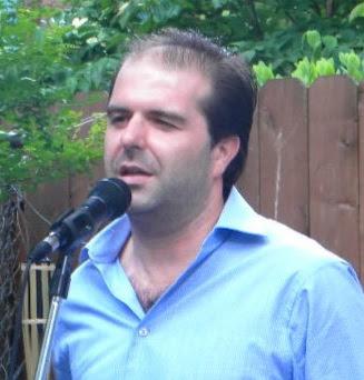Antonio César Morón.