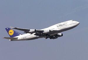 """Lufthansa Boeing 747-400 (D-ABTD """"Hamburg..."""