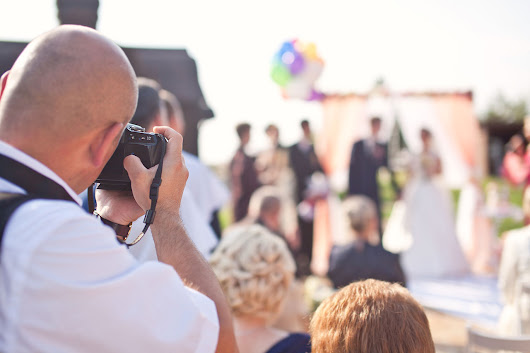 Wedding Paparazzi - Unplugged Wedding Ceremony Tips