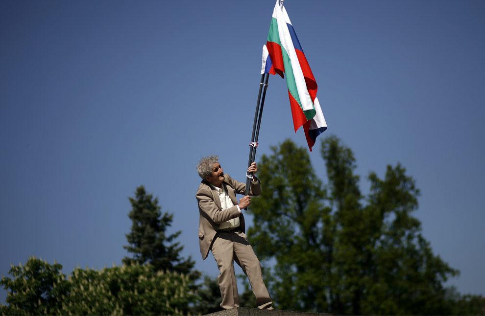 Βαλκάνιος γείτονας που διχάζει η Ρωσία …όπως την Ελλάδα