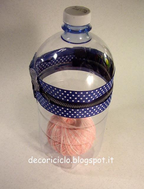 porta-gomitolo con bottiglia di plastica 2
