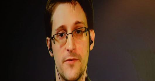 Snowden backs Apple in fight over iPhone, calls on Google to speak up