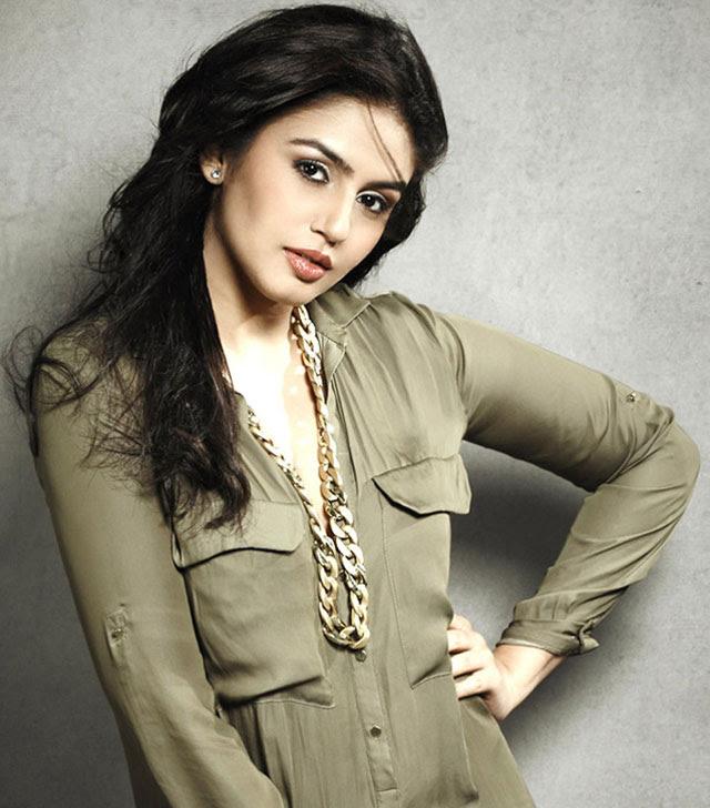 Huma Qureshi | Indian bollywood actress, Most beautiful