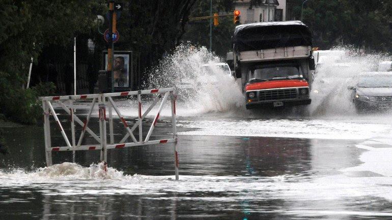 Realizarán dos obras para aliviar las inundaciones provocadas por el arroyo Medrano