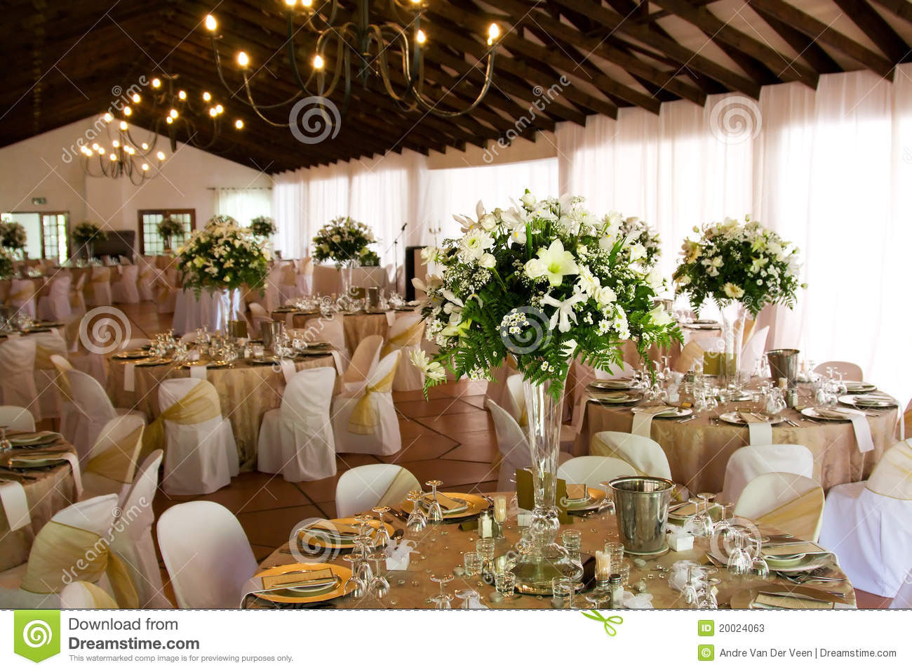 Misty Farms Ann Arbor Mi Wedding Venue Decorations Venue Decor
