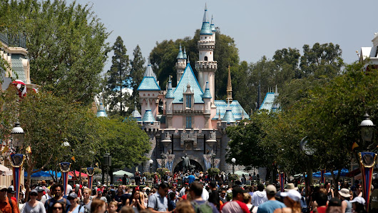 This is your brain on Disneyland: A Disney-addict's quest to discover why he loves the parks so much
