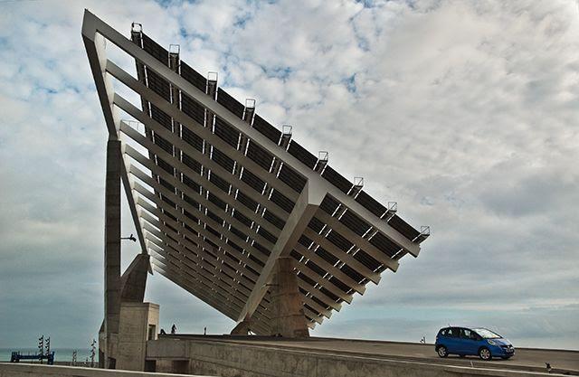 Barcelona Solar Panel and Hybrid Car [enlarge]