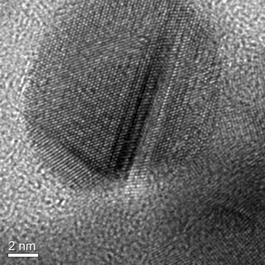 Tiny diamonds wrapped in graphene get rid of friction