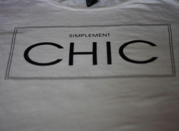 photo simplement_chic_tee_shirt.jpg