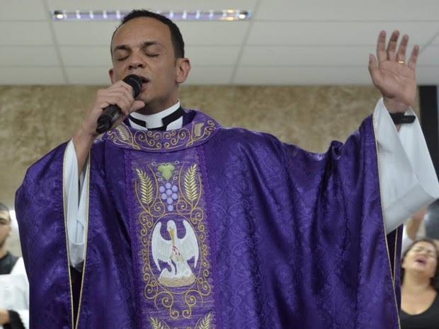 Padre Marcos Rogério investe em músicas para evangelização em Goiânia Goiás (Foto: Divulgação/Igreja Nossa Senhora da Assunção)