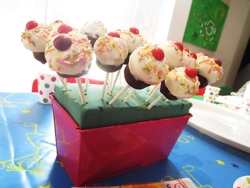 Cupcake cake pops collection