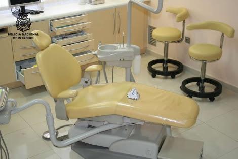 Clínica en la que ejercía el falso dentista. | Policía Nacional
