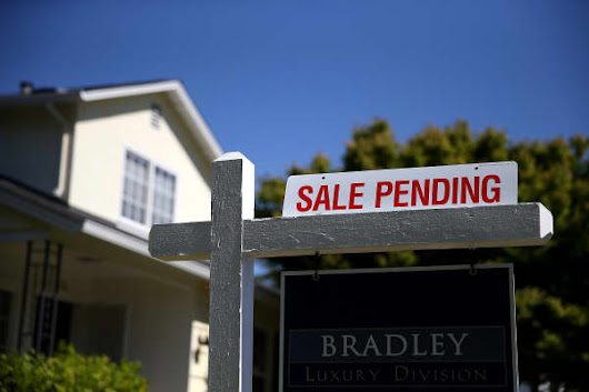 Pending home sales fall 1.6 percent in August