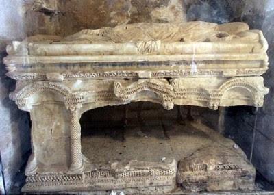 土耳其考古团队认为,圣尼古拉斯的陵墓安放于安塔利亚一座教堂。