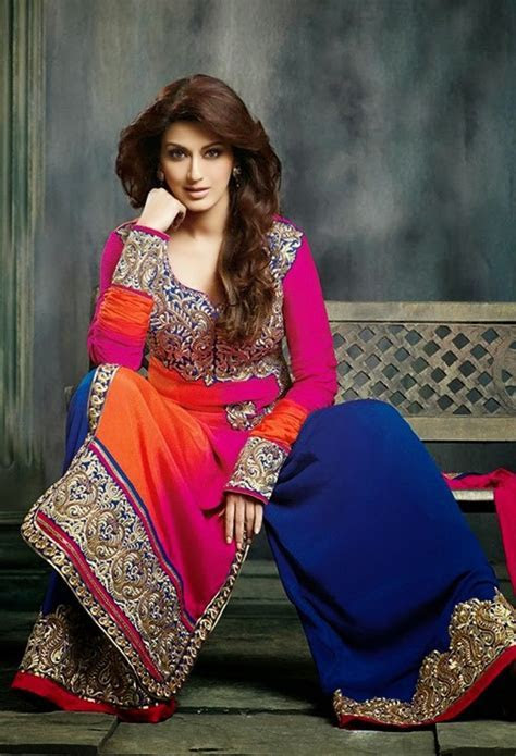 @SonaliBendre beautiful in colorful #Desi #Gharara