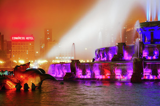 Seahorse In The Fog - Buckingham Fountain - Chicago by Scott Campbell