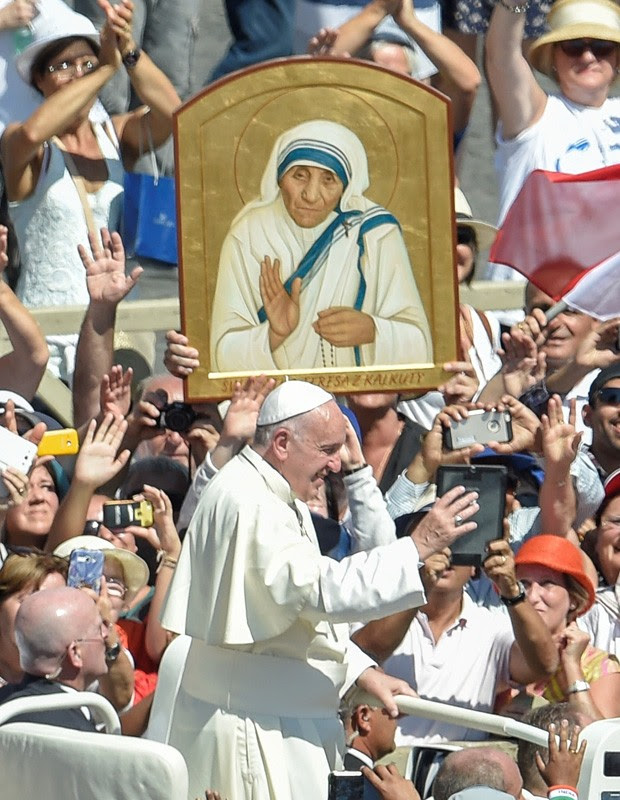 Papa Francisco canoniza Madre Teresa de Calcutá (Foto: Andreas Solaro/AFP)