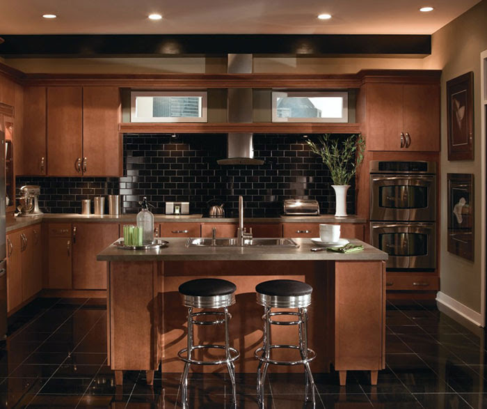 Contemporary Maple Kitchen Cabinets - MasterBrand
