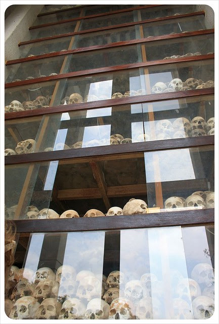phnom penh killing fields skulls 17 levels