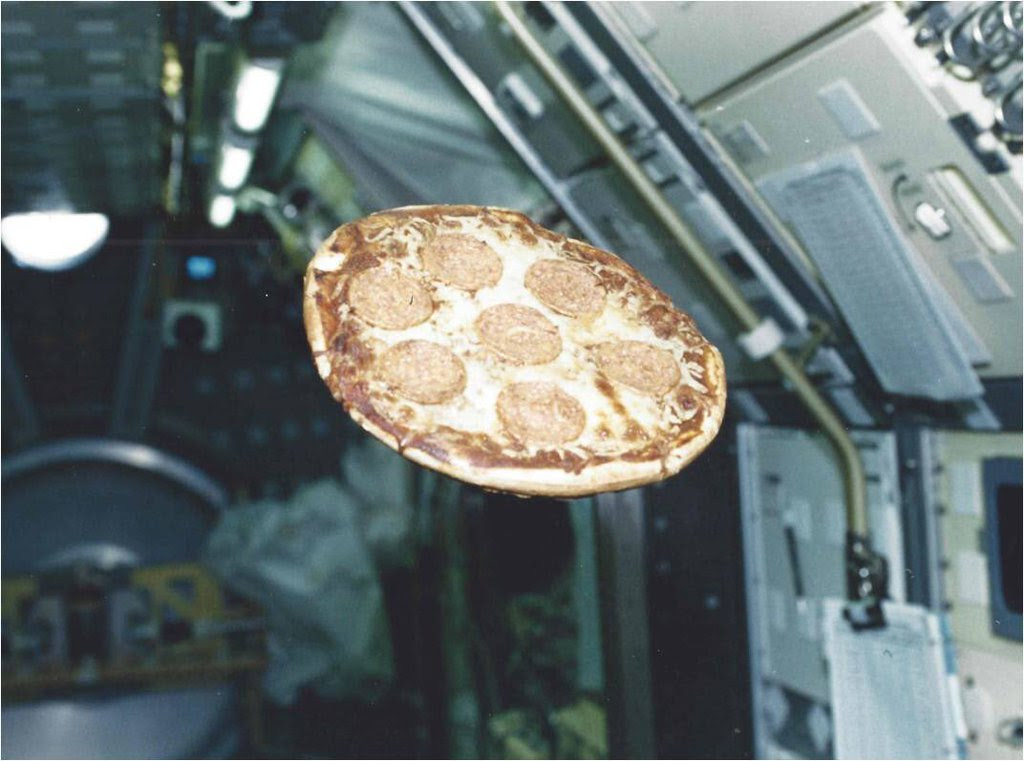 Apr04-1997-donthomas-firstpizza1