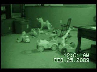 Ghost Children in our Basement Caught on Tape / Niño Fantasma en Sotano Captado en Video