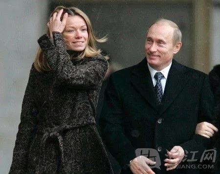 马航坠机荷兰市长欲将普京之女遣返