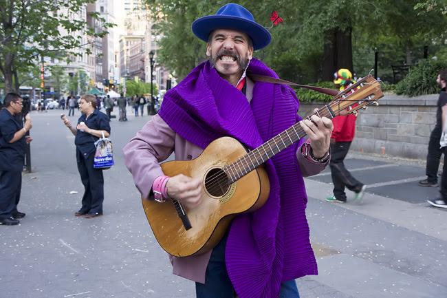 Victor Sheely, Street Performer