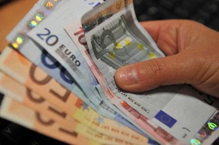Forex how many euros is 29 000 rupees