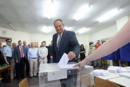 Εκλογές 2014: Χωρίς δηλώσεις ο Καραμανλής – Ποιοί τον χειροκρότησαν