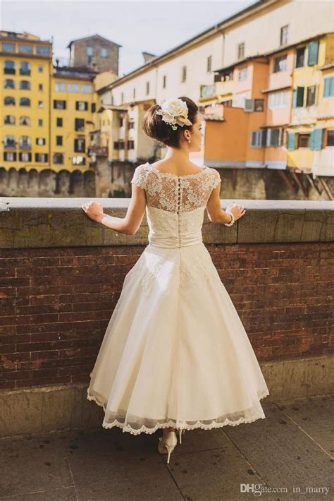 Best 25  Rustic wedding gowns ideas on Pinterest   Rustic