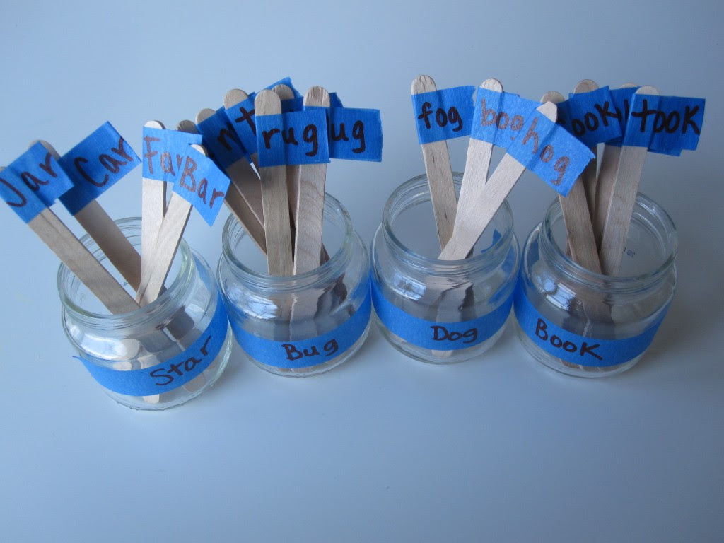 Rhyming Jars - early literacy lesson